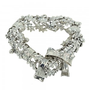 Decorative wreath in heart shape made of 925 sterling silver code 005511