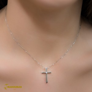 Woman's cross pendant  with chain, K18 and diamond 005578 White gold