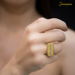 Handmade ring White and yellow gold K18 with handmade wire of yellow gold and Diamonds Code 005796