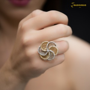 Ring Flower Yellow and white gold K14 with semiprecious stones Code 005824
