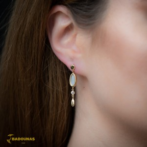 Earrings Yellow gold K14 with mother of pearl and semiprecious crystal Code 008086