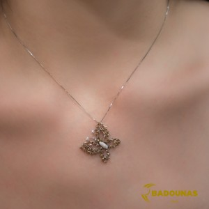 Diamond necklace White gold K18 with white and brown color diamonds Code 002241